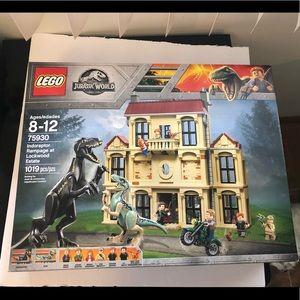LEGO Indoraptor Rampage Lockwood Estate 75930 NIB
